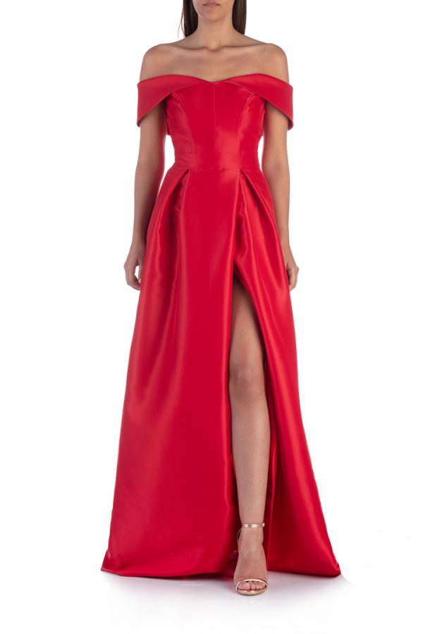 Red-shoulderless-long-dress-with-split-elsa-barreto-leg